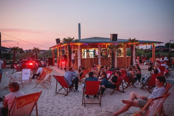 Strand bei der Sommerkonferenz 2021